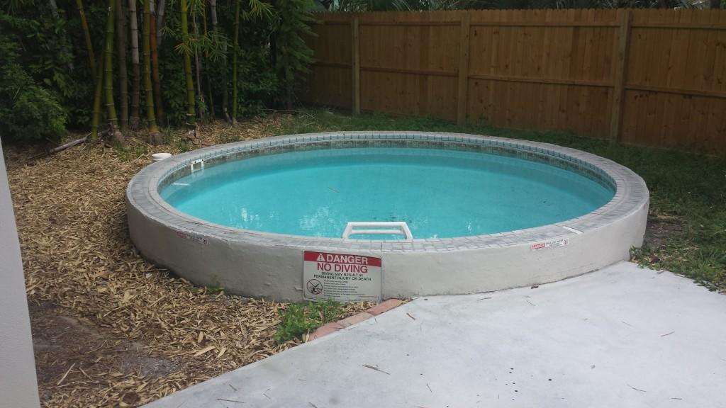 10' x 4' pool